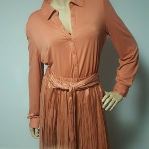 Newport News Apricot 2 Piece Top/Skirt Xl